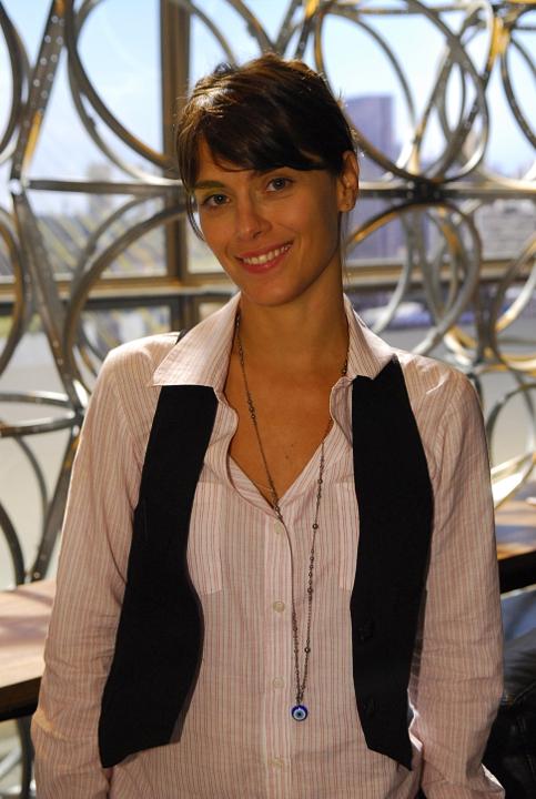 http://www.novela.pl/wp-content/uploads/2012/02/Diana-Carolina-Dieckmann-3.jpg