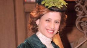 Sara Ballesteros jako Angustias Hernando