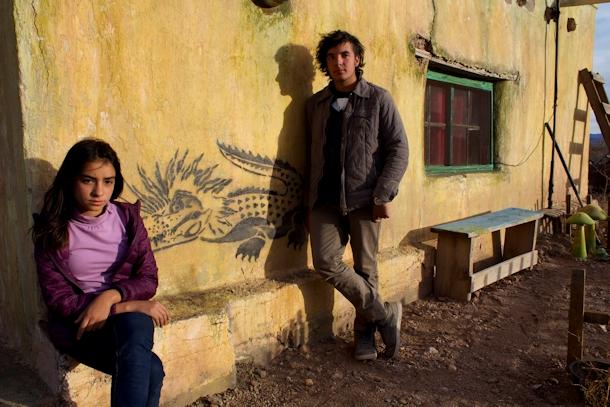 """Sebastián Cobos i Valentina Buzzurro na planie filmu (fot. WFF) Osobny wiatr WFF: """"Osobny wiatr"""", dojrzewanie we współczesnym Meksyku vientoaparte hermanos"""