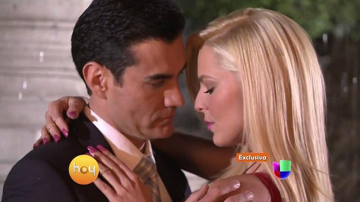 """Pierwszy pocałunek Sousa i Zepedy na planie """"Hasta el fin del mundo"""" (fot. Univision)"""