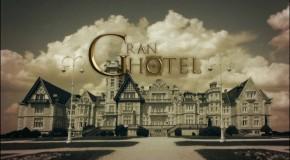 """Czołówka serialu """"Zagadka hotelu Grand"""""""