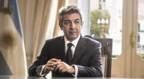 "Ricardo Darín na fotelu prezydenta w filmie ""La cordillera"""