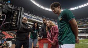 """África Zavala na Stadionie Azteków w """"La jefa del campeón"""""""