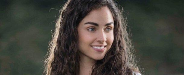 Claudia Martín jako Marina