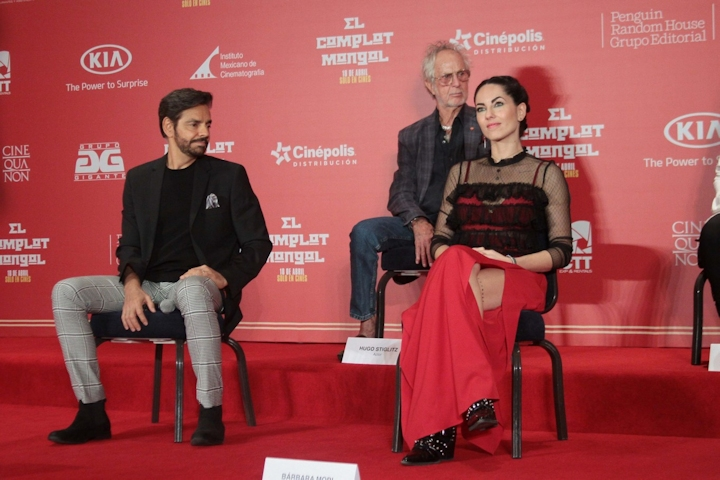 Bárbara Mori Doborowa obsada w nieudanym filmie Sebastiána del Amo derbez mori elcomplotmongol