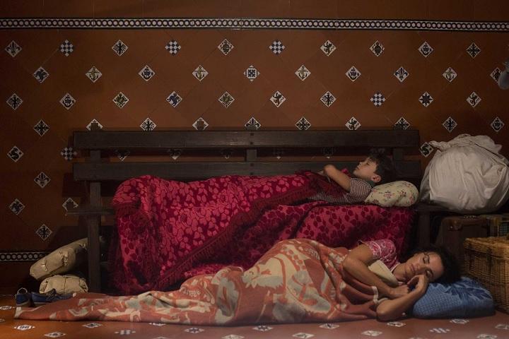 """ból i blask Subiektywnie: """"Ból i blask"""", artysta w cieniu Almodóvara boliblask scena"""